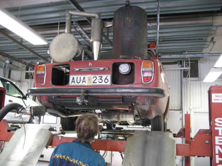 AUA236 on inspection at Swedish car testing company